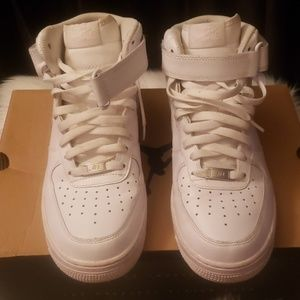 🎈🎉 Nike Air Force 1 🎈🎉 Uptown's